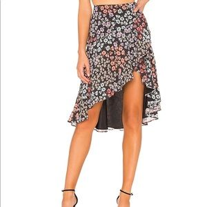 Lovers and friends Stella skirt form revolve